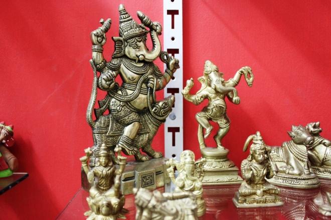 More Ganeshas