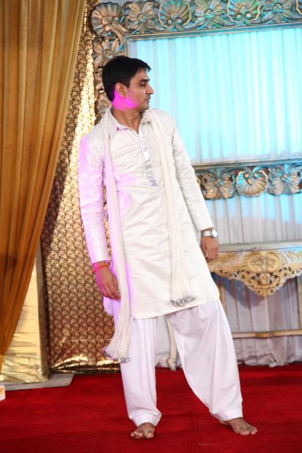 AB in Ranbir Kapoor style